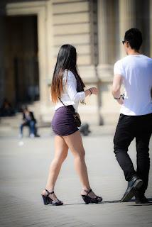 Mujeres asiaticas sexys mini falda