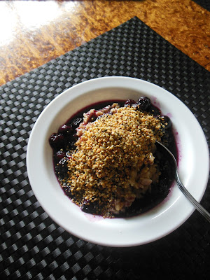 Morning Oats with Blueberry Maple Compote and toasted Hemp Hearts, delicious high protein breakfast to keep you going till lunch!