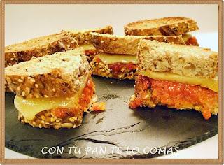 Sandwich de sobrasada, miel y queso de mahon