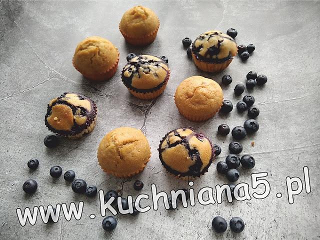 muffinki z błonnikiem jabłkowym i borówkami amerykańskimi-zdrowe muffinki-muffinki z borówkami-muffinki z błonnikiem jabłkowym