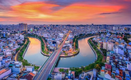 Guide and experience in Saigon travel extremely self-sufficient