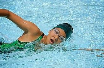 4 Teknik Atur Nafas Saat Berenang