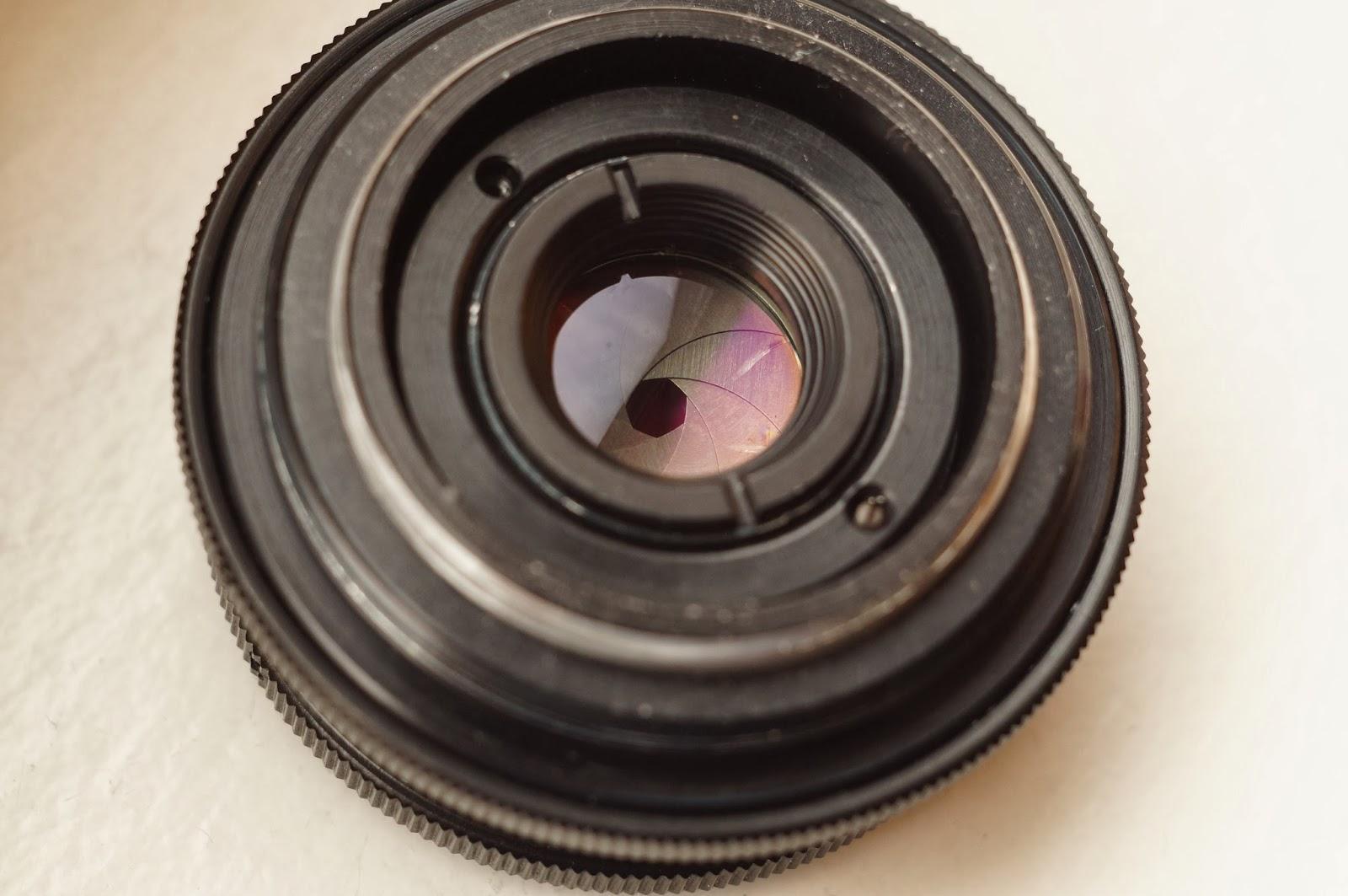 Cosinon 55mm f2.1 vs Carl Zeiss Jena Biotar 58mm f/2