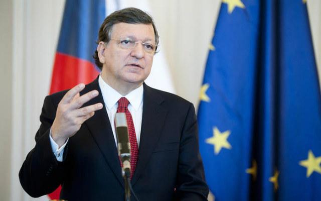 «Η Ελλάδα θα τα καταφέρει, διότι ξέρω την δέσμευση και την αφοσίωση των Ελλήνων, παρά τη λιτότητα και τις δυσκολίες, να παραμείνουν στο ευρώ. Και αυτό δεν πρέπει να το υποτιμούμε», είπε ο τέως πρόεδρος της Ευρωπαϊκής Επιτροπής, Ζοζέ Μανουέλ Μπαρόζο, μιλώντας στο πλαίσιο της πρώτης Ευρωπαϊκής Διάσκεψης του οργανισμού Concordia που πραγματοποιείται στην Αθήνα στις 6-7 Ιουνίου. Ο πρώην πρόεδρος της Κομισιόν γκρέμισε και τον αστικό μύθο για πολλούς ότι ο Σόιμπλε έφερε στην Ευρώπη το ΔΝΤ.
