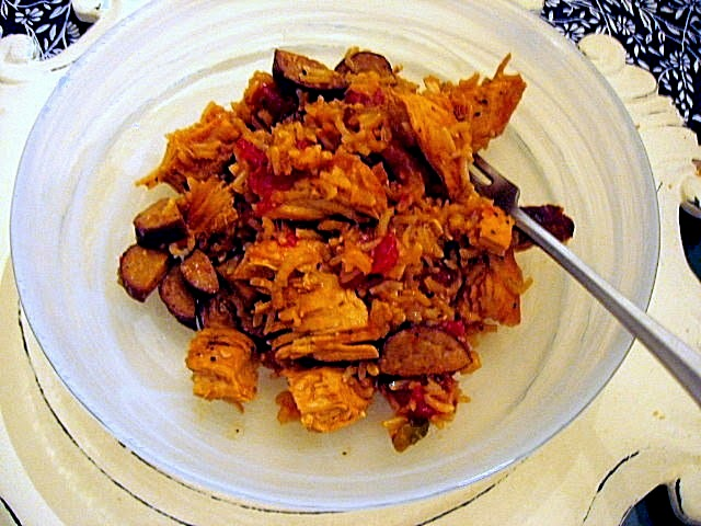 10 One Pot Meals that Dramatically Decrease the Heat in your Kitchen - Chicken and Sausage Jambalaya - Slice of Southern