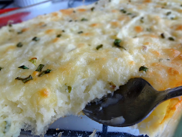 Baked Cheddar and Scallion Mashed Potatoes