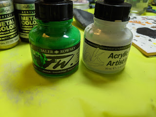 FW Emerald Green and Vallejo White Inks