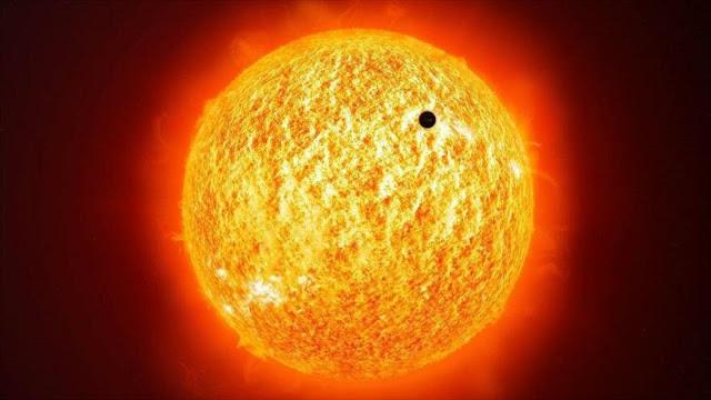 Una imagen del tránsito de Mercurio frente al disco solar.