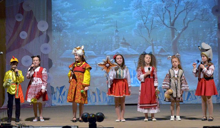 Для дубоссарских детей провели Архиерейскую елку