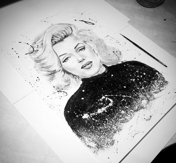 09-Marilyn-Monroe-Gina-Iacob-Women-s-Strength-Depicted-in-Portrait-Drawings-www-designstack-co