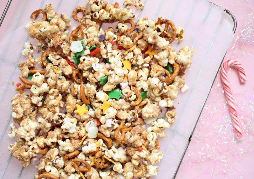 christmas popcorn mix
