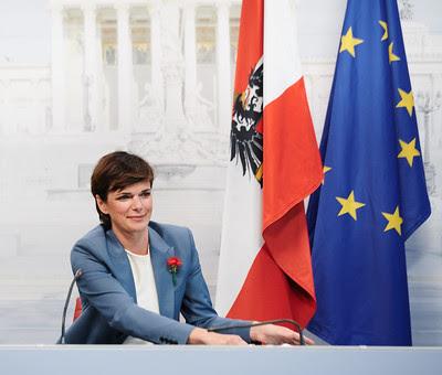حزب نمساوي يطالب شركات بإرجاع مساعدات كورونا