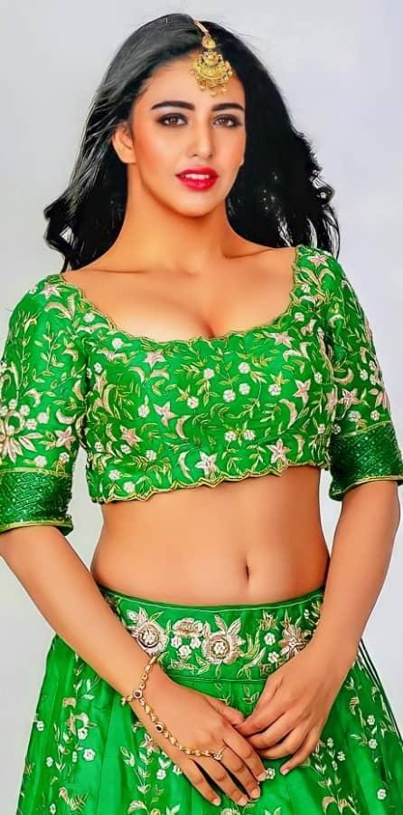 Daksha Nagarkar Hot Navel Pics Photos Stills 6