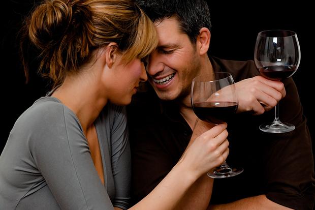 5 hal yang membuktikan cinta cowok cuek membahagiakan