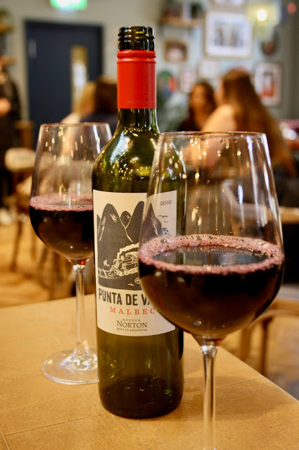Sonrisa food review wine Argentinian Leicester