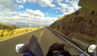 Lago Titicaca logo à frente.