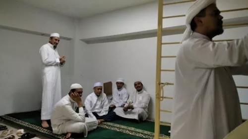 Aktivitas HRS di Rutan Bareskrim, dari Gelar Malam Nuzulul Quran hingga Dapat Panggilan Abuya