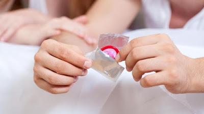 Ratusan Ribu Kondom Dibuang di Uganda Karena Berlubang