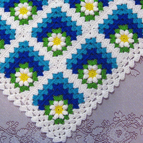 Mitered Summer Daisy Baby Afghan - Free Diagram