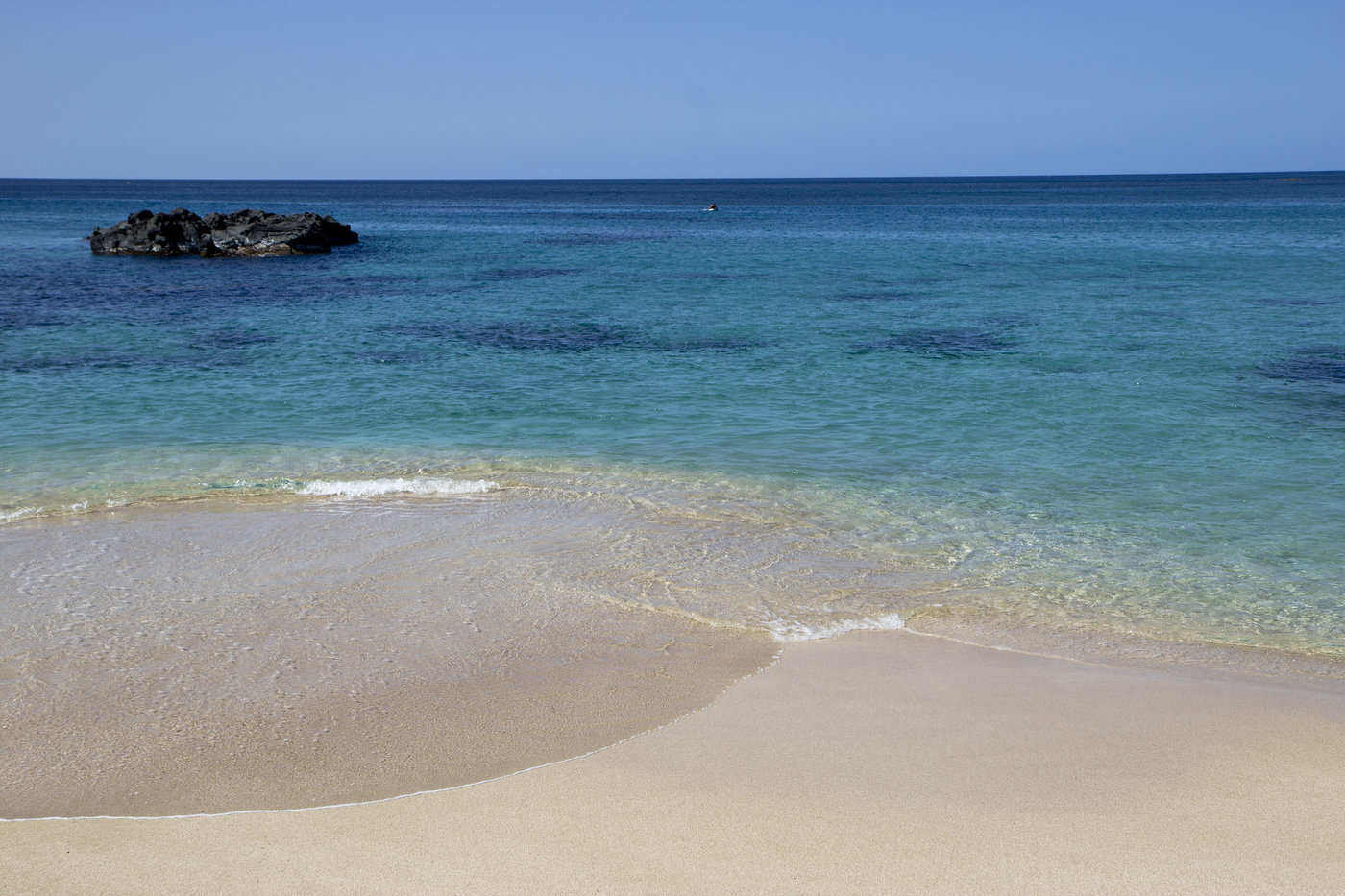 waimea bay - most stunning beaches in hawaii