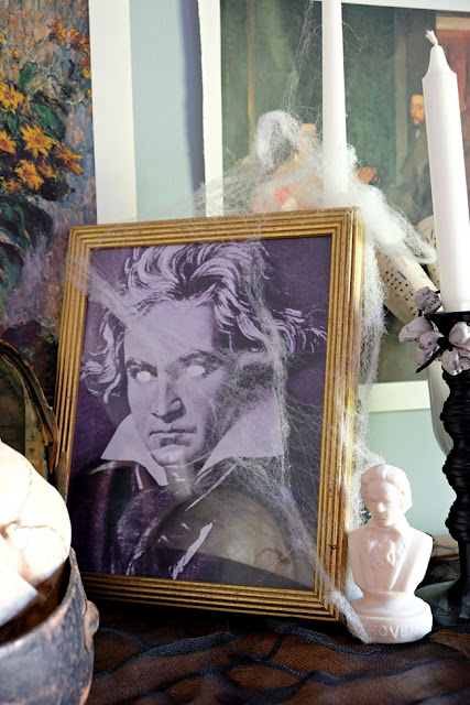 blind Beethoven picture frame Halloween decor