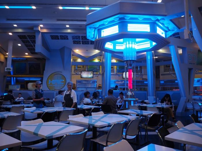 Universal Studios Singapore - StarBot Cafe   joanne-khoo.com