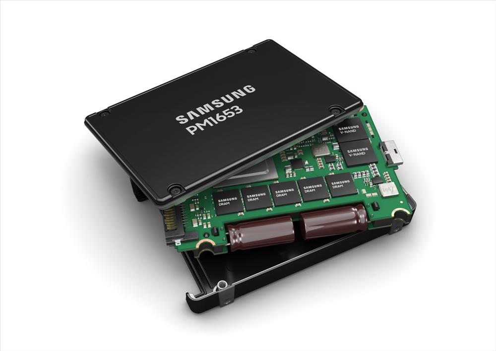 삼성전자, 최신 SAS-4 표준 지원 서버용 SSD 출시