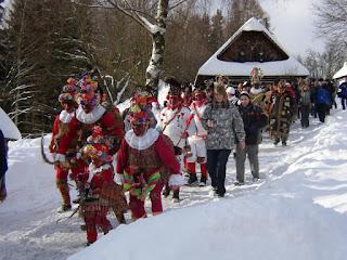 развлечения на Масленицу, гуляния на Масленицу, заклички весны, заклички Масленицы, мероприятия на Масленицу, масленичная неделя, традиции Масленицы, традиции народные, заклички обрядовые, обряды на Масленицу, встреча вёсны, Масленица, Масленица 2021, проводы зимы, праздники народные, традиции народные, праздники народные, обычаи на Масленицу, про Масленицу, Масленица (Проводы зимы) - об истории и традициях, какие традиции на Масленицу, что такое Масленица, когда будет Масленица, как празднуют Масленицу, великий пост, что нужно есть на Масленицу, традиции и обряды Масленицу, как празднуют Проводы зимы, чучело Масленицы, зачес сжигают чучело Масленицы, подготовка к Масленице, народные гуляния на Масленицу, традиции масленичной недели, как называются дни на масленицу, Праздник продолжался целую неделю, и каждый его день имел свое название и обряды, Происхождение праздника: истории и легенды, Масленичные традиции, Масленица 2022, зачем празднуют Масленицу, народные праздники, народные обряды и традиции,развлечения на Масленицу, гуляния на Масленицу, заклички весны, заклички Масленицы, мероприятия на Масленицу, масленичная неделя, традиции Масленицы, традиции народные, заклички обрядовые, обряды на Масленицу, встреча весгы, Масленица, Масленица 2018, проводы зимы, праздники народные, традиции народные, праздники народные, обычаи на Масленицу, про Масленицу, Масленица (Проводы зимы) - об истории и традициях,Масленица (Проводы зимы) - об истории и традициях http://prazdnichnymir.ru/