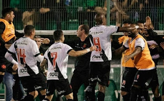 Vasco declara que 16 atletas do clube estão com Covid-19