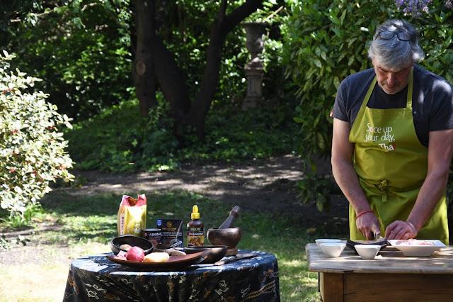 Massaman curry, zelf massaman kai maken, thaise keuken, zelf thais koken, hoe maak je zelf een massaman curry?, alle ingrediënten voor een massamancurry