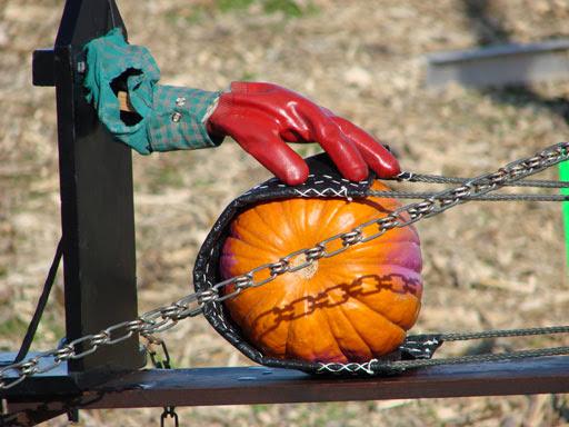 Pumpkin Chunkin competition apparatus