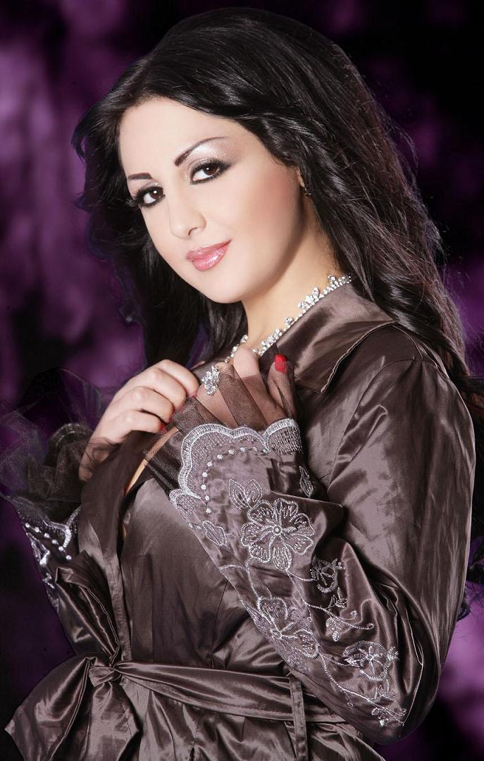 Arab house wife uploded her personal video in facebook 6