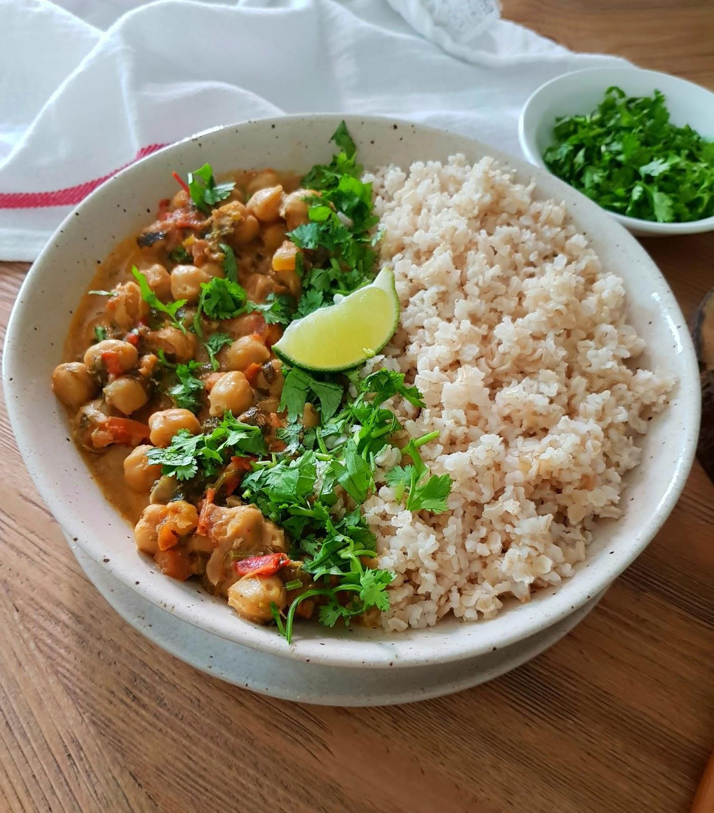 Vegan Chickpea Curry Recipe - Best vegan Indian recipes - Easy Vegan Recipes and Vegan Curry