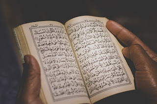 hukum bacaan al quran untuk mayit orang meninggal