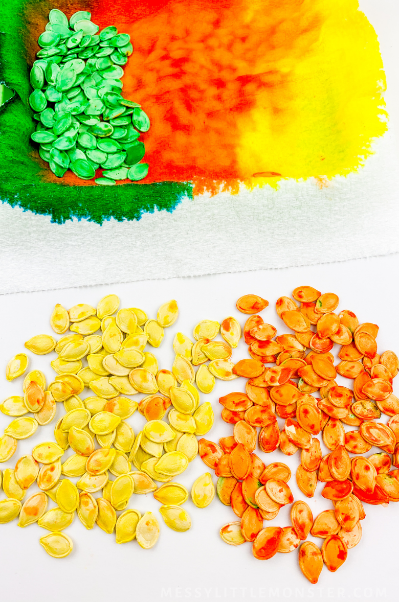 How to dye pumpkin seeds for sensory play