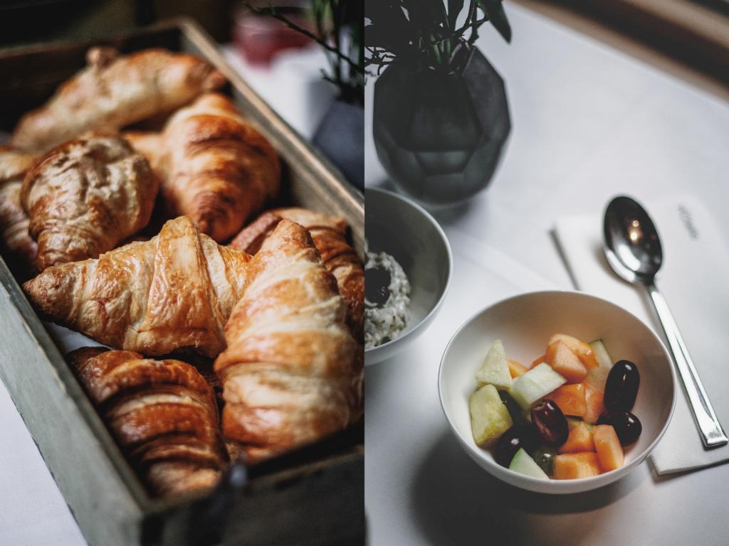 Croissantkorb und Müsli