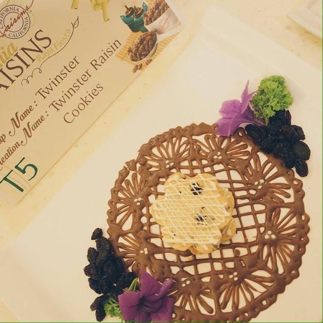 Twinster Raisins Cookies - Ayue Idris & Naomie