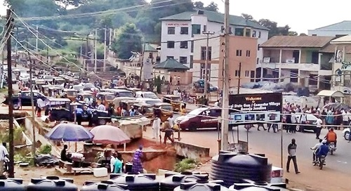 Just In: Travelers Stranded as Kogi University Students Shut Down Lokoja...Find Out Why (Photos)
