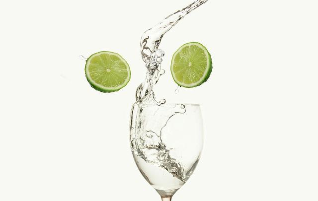 ماء الليمون الفاتر