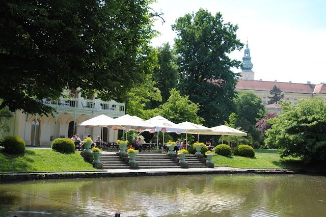 Kawiarnia w Ogrodzie Pałacowym w Kromieryż