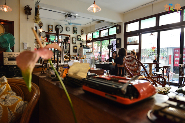 穩定飛行模式咖啡店