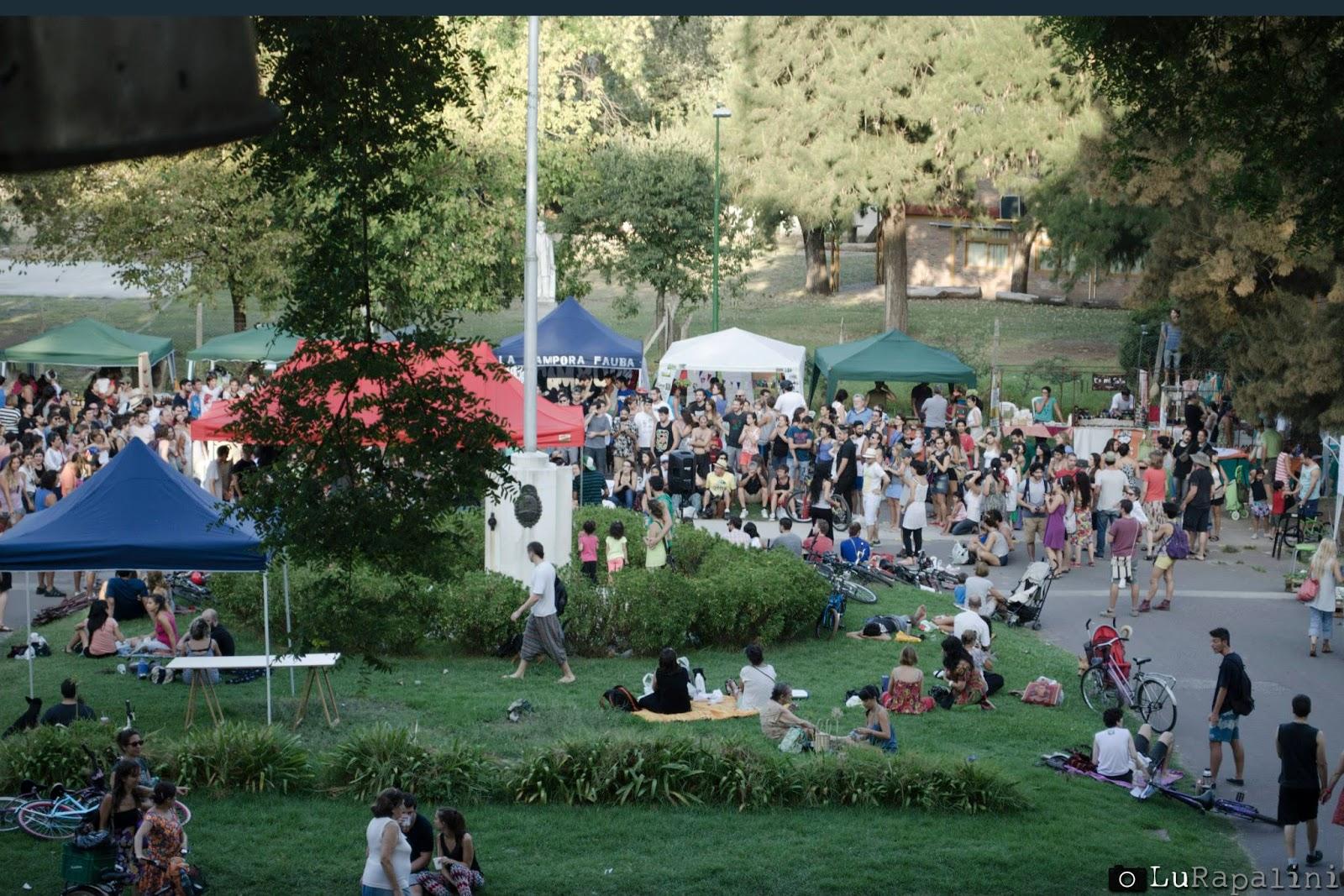 Noticias de Villa Devoto, guía comercial villa devoto, feria, agronomia, productor, consumidor, pic nic, comidas, empanadas, bebidas, musica, aire libre