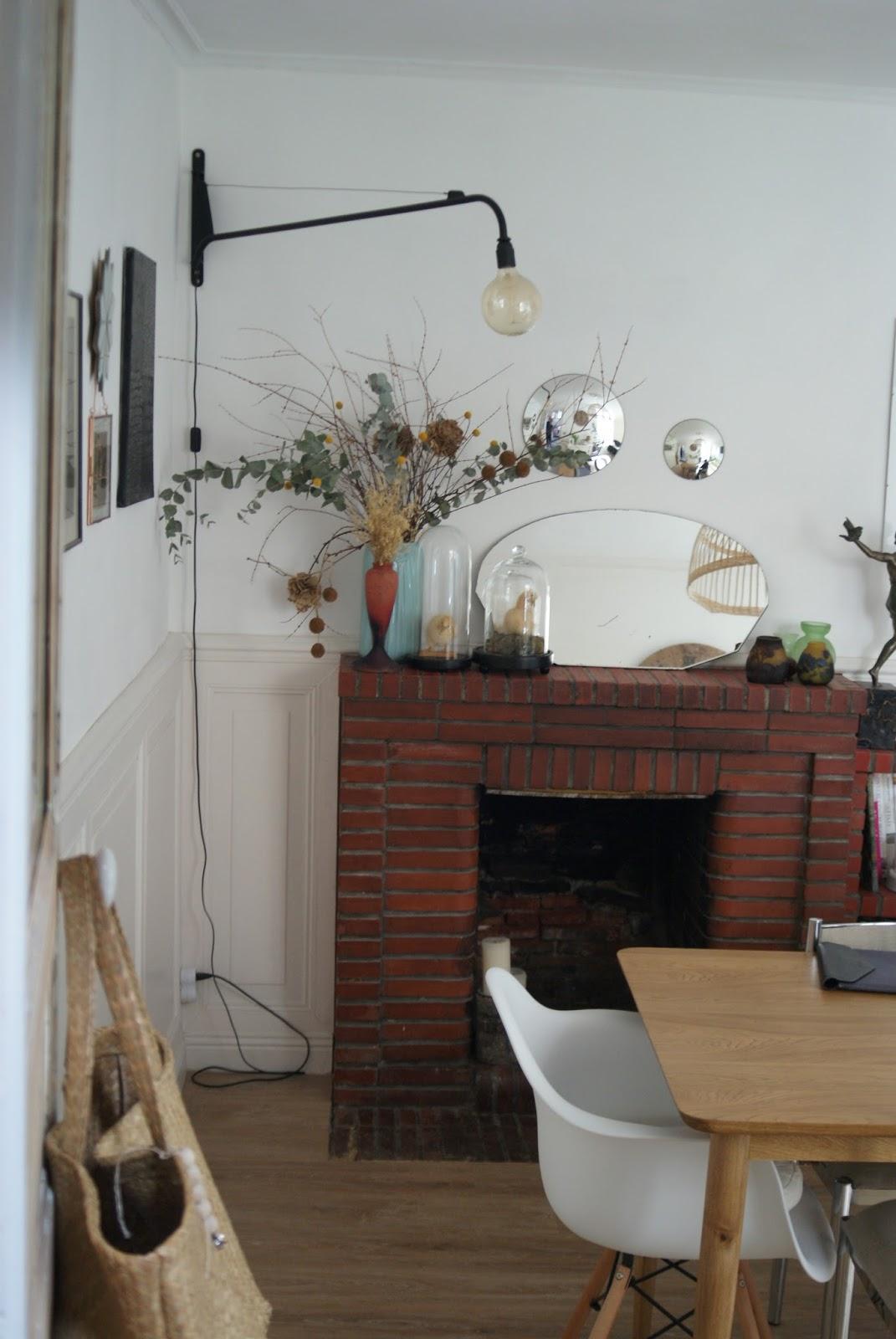 le cabinet d 39 alex quelque chose en moi ne tourne pas rond. Black Bedroom Furniture Sets. Home Design Ideas