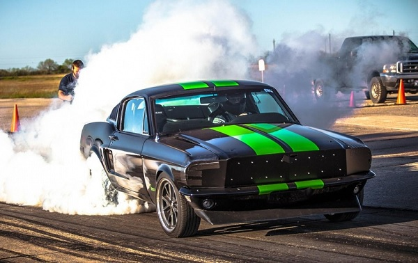 Ford Mustang Fastback de 1968 Zombie 222