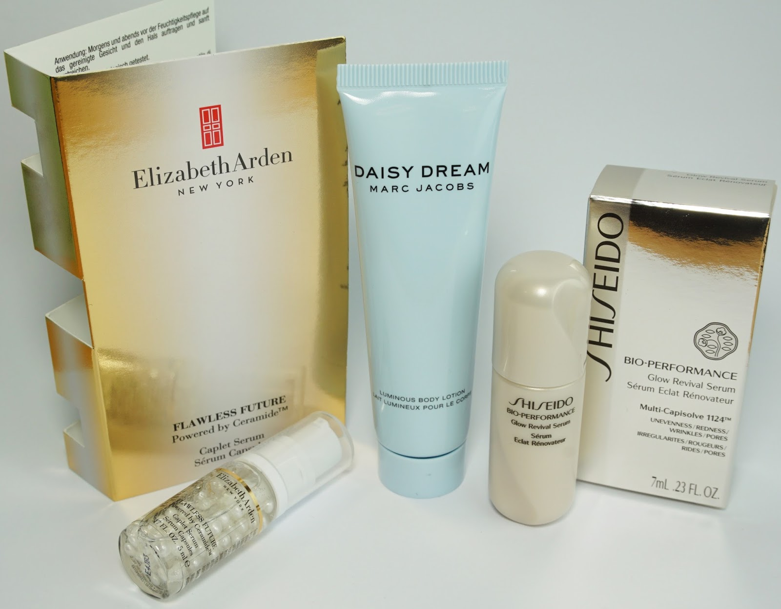 Douglas - Box of Beauty (Feburar 2015 - Österreich-Edition) Elizabeth Arden, Marc Jacobs, Shiseido