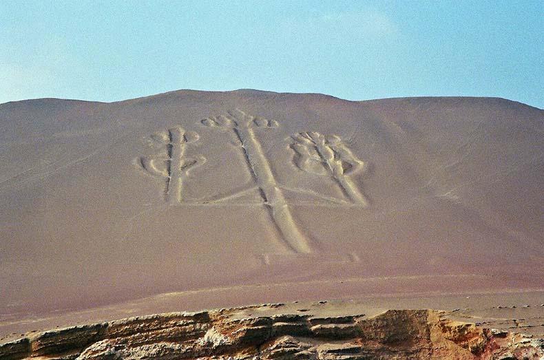 El Candelabro de Paracas | Perú