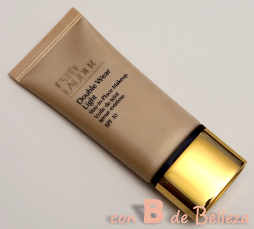 Double wear light de Estee Lauder