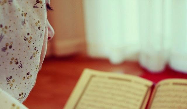 Begini Caranya agar Ukhti yang Sedang Haid Tetap Bisa Mendapat Pahala Membaca Al Qur`an