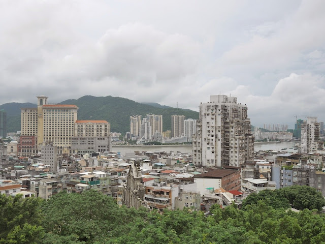 View of Macau and Zhuhai facing west from Monte Fort