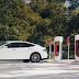 Tesla cria supercarregador que abastece veículos elétricos em segundos
